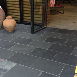 Natural Slate Tile Is The Ideal Flooring Material